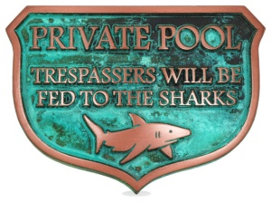 no trespassing in pool sign