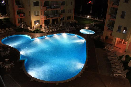protecting-apartment-complex-pool